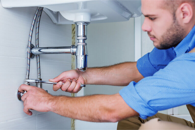 5 Reasons to Hire a Professional Plumber With a Sewer Camera